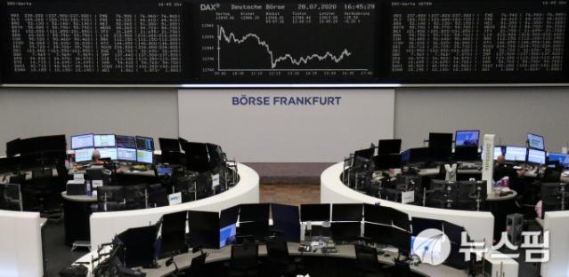 [유럽증시]美 국채 금리 급등 우려에 일제히 하락 마감