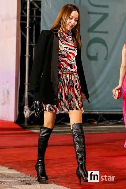 [포토] 이세나, '시원시원한 모델 워킹...