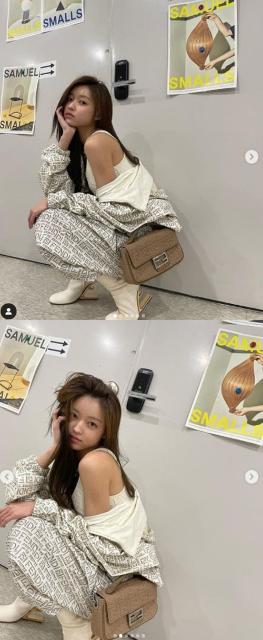 오마이걸 유아, 매끈한 어깨라인 자랑…힙&섹시 폭발[M...
